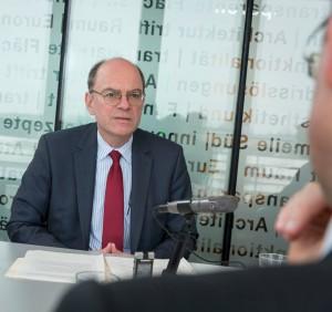 Der erste Schritt zum fertigen Interview: das persönliche Gespräch. Foto: Roland Horn